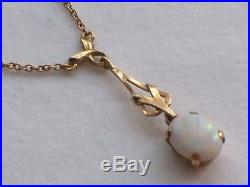 9ct Gold Opal Pendant And Chain