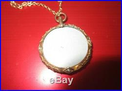 Antique 9ct Gold Locket With 9ct Gold Chain Weighs 8.5 Grams. £110
