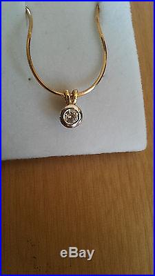 Diamond Necklace 9ct gold beautiful fitting. Smooth gold chain