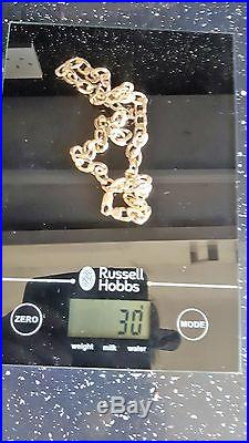 Immaculate 9ct gold flat curb chain. 20 inch necklace (30 grams weight)