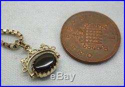 Pretty 9ct Gold And Agate Spinner Pendant And Chain