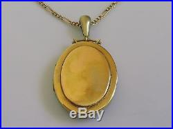 Victorian 15ct gold large oval locket & 9ct gold figaro chain 29 1/2 inches
