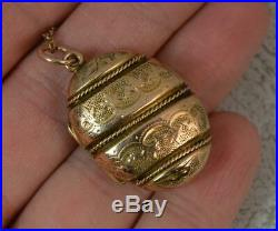 Victorian Gold Cased Engraved Oval Locket Pendant & 9ct Gold Chain t0718